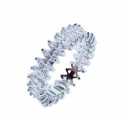11436 - Кольцо-дорожка из серебра с  цирконами