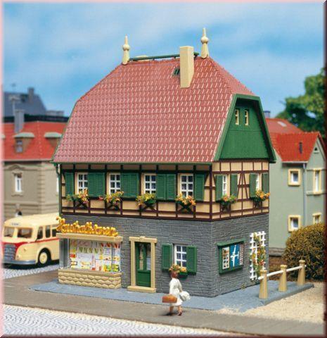Жилой дом с магазинчиком