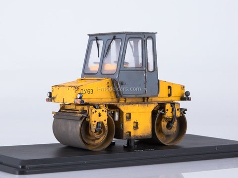 Roller DU-63 automotive (with traces of operation) 1:43 ModelPro