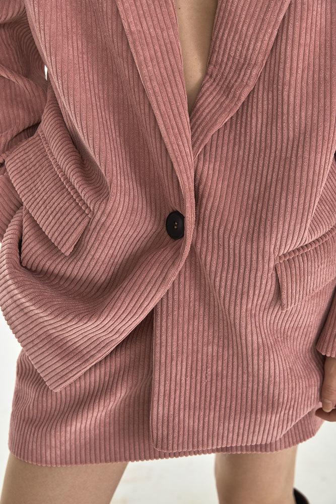 Жакет с большим плечом из вельвета, розовая пудра