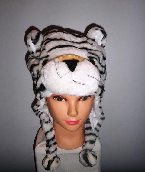 Шапка с тигром