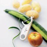 Нож Victorinox Utensils (7.6073.7) для чистки овощей/фруктов белый