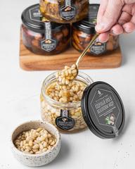 Кедровый орех в акациевом меду