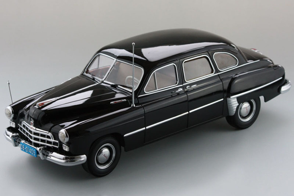 """Коллекционная модель ЗИМ (ZIM) GAZ-12 1952 Black (Из фильма """"Водитель для Веры"""")"""