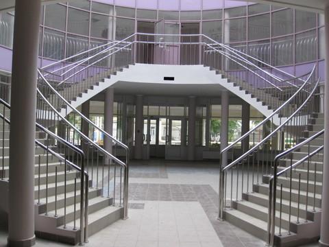 Металлические ограждения переходных лоджий. Металлические ограждения лестниц