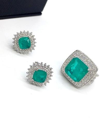 40059 - Роскошное кольцо с кварцем цвета параиба с тройным рядом цирконом