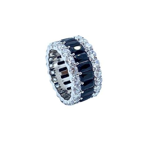 70457- Широкое кольцо-дорожка из серебра с черными и белыми цирконами