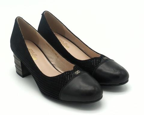 Черные туфли с лазерной обработкой на оригинальном каблуке