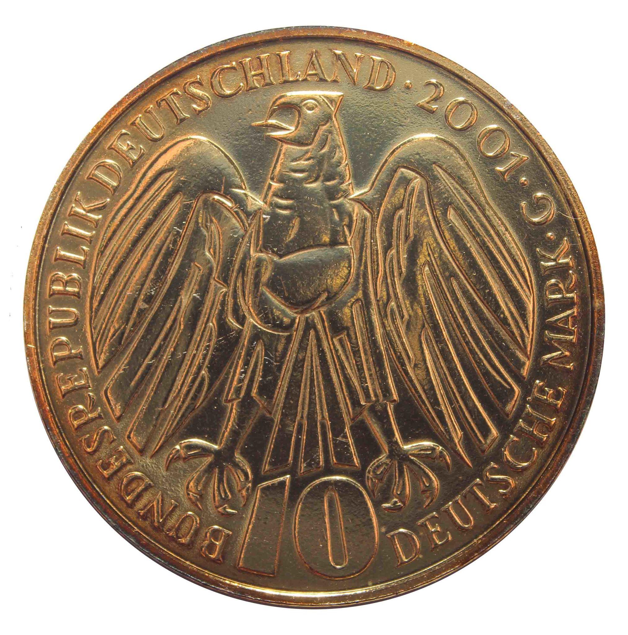 10 марок. 50 лет Федеральному конституционному суду (G). Серебро с позолотой. 2001 г. UNC