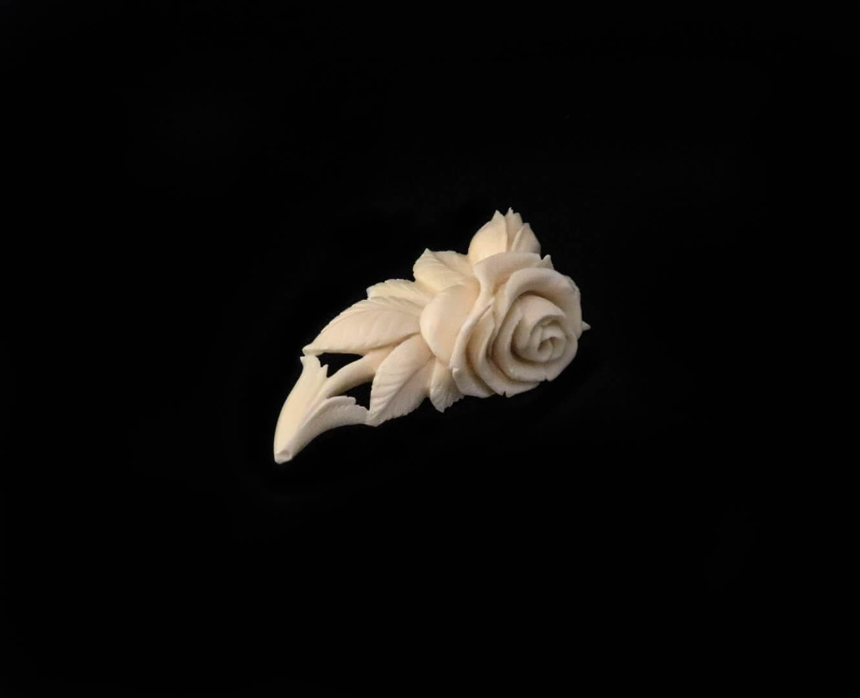 брошь веточка розы