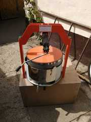 Пресс для отжима SOK корзина 15 литров
