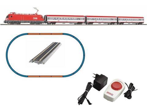 Стартовый набор Электровоз Taurus ÖBB и 3 пассажирских вагона, рельсы на подложке