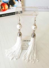Серьги бисерные белые длинные из 18 нитей