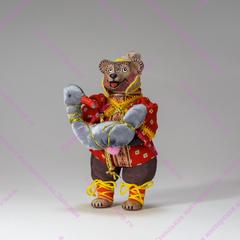 Медведь в колпаке