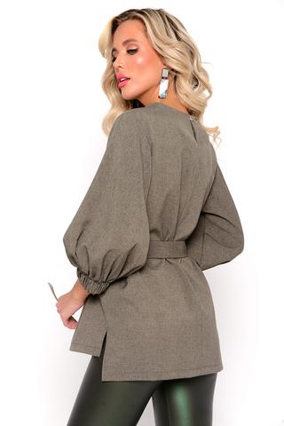 <p>Модная туника из люксовой плательной ткани. Свободный силуэт, рукав пышный 3/4 на широкой резинке, пояс.&nbsp;</p>