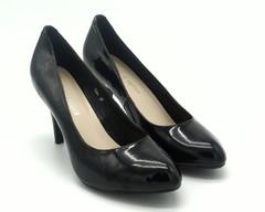 Черные лакированные туфли на устойчивом каблуке