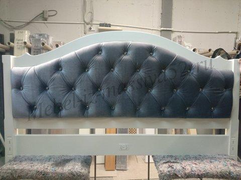 Кровать Авиньон с каретной стяжкой