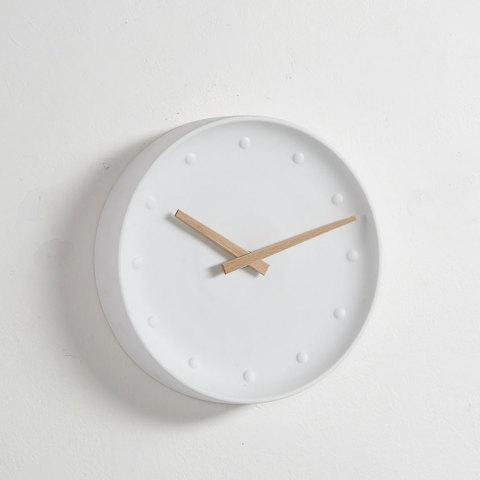 Часы настенные Wanu белые