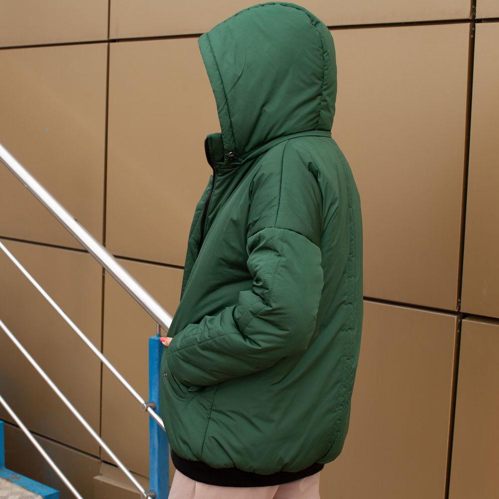 Демісезонний бомбер зеленого кольору з водовідштовхувальної плащової тканини на дівчинку