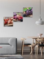Картина на стекле трёхмодульная Ягоды и макаруны
