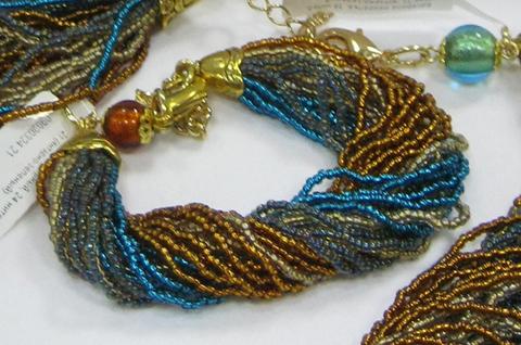 Бисерный браслет, 24 нити, янтарно-зеленый