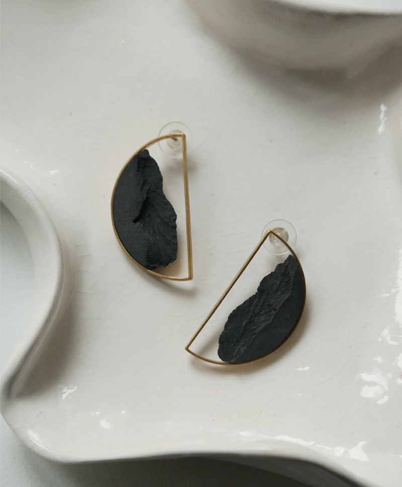 Серьги Semicircular Gold Black