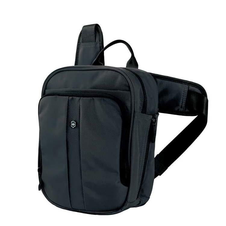 Сумка VICTORINOX Deluxe Travel Companion, вертикальная с наплечными ремнями, с возможностью ношения в 3 положениях, чёрная, нейлон 800D, 21x10x27 см, 6л (31174201)   Wenger-Victorinox.Ru