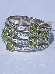 1100162-хризолит (кольцо из серебра)
