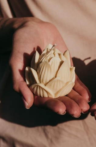 Свеча декоративная Lotus