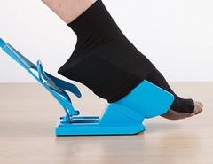 Помощник для надевания носков Sock Slider