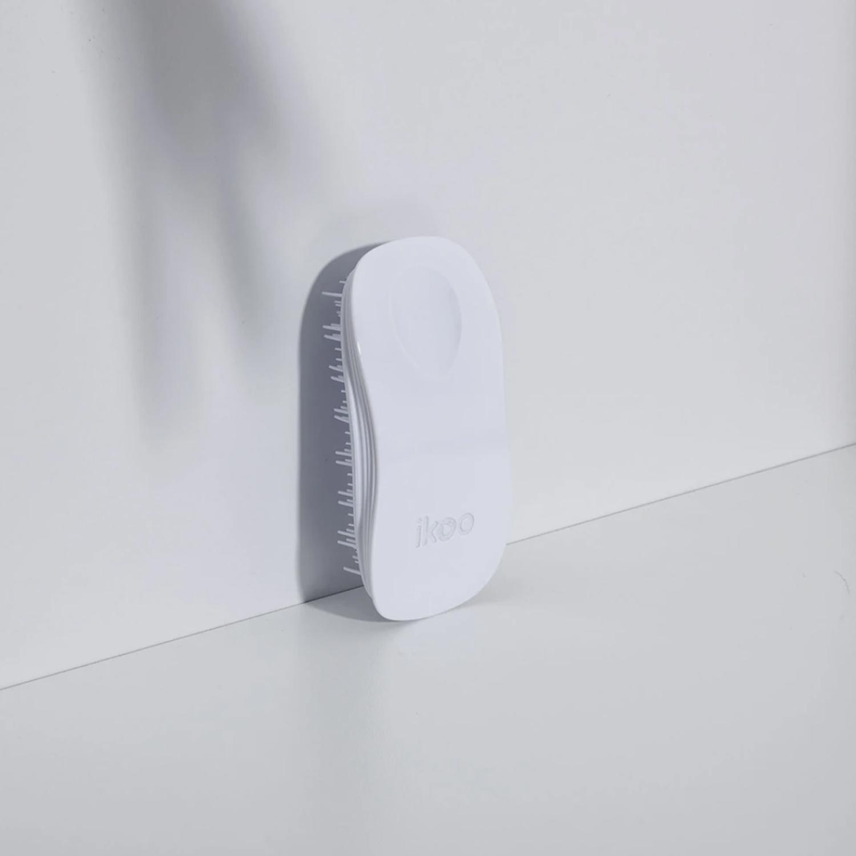 ikoo home white   расческа-детанглер для бережного расчесывания  классическая белая