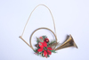 Горн с цветком Пуансетии.