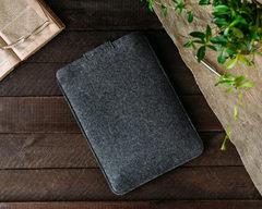 Темный чехол Gmakin на застежке для Macbook