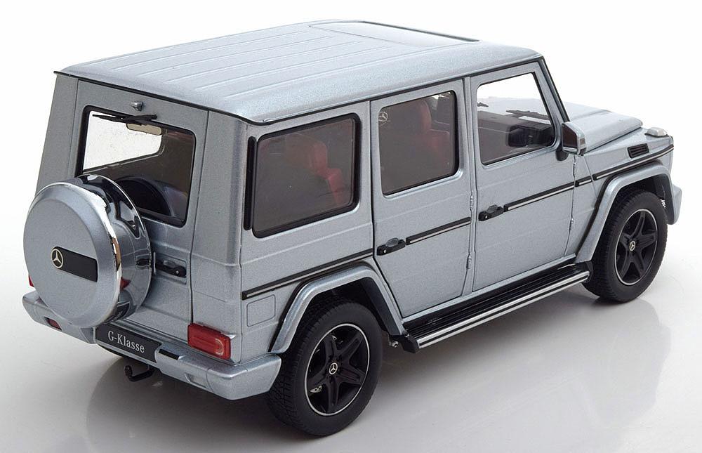 Коллекционная модель Mercedes-Benz Gelandewagen W463 2015 Diamond Silver Metallic