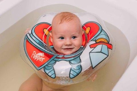 Надувной круг на шею для купания малышей Flipper Рыцарь.