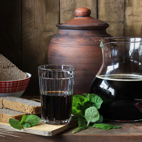 Фотография Квас темный ржаной с мятой «Целебный» / 1 л купить в магазине Афлора
