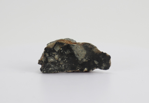 Лунный метеорит NWA7611  8,3гр.