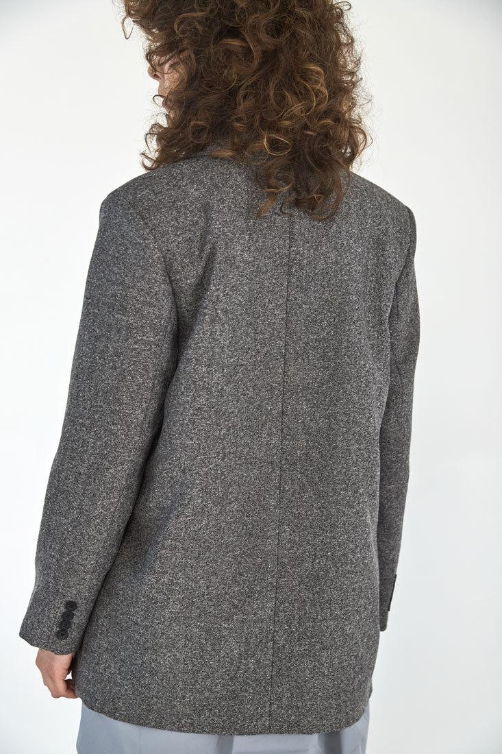 Жакет с большим плечом (костюмный твил), елочка черная