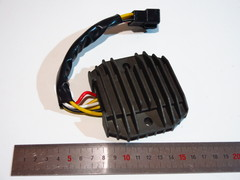 Реле регулятор Kawasaki ZXR250 ZZR400 ZRX400