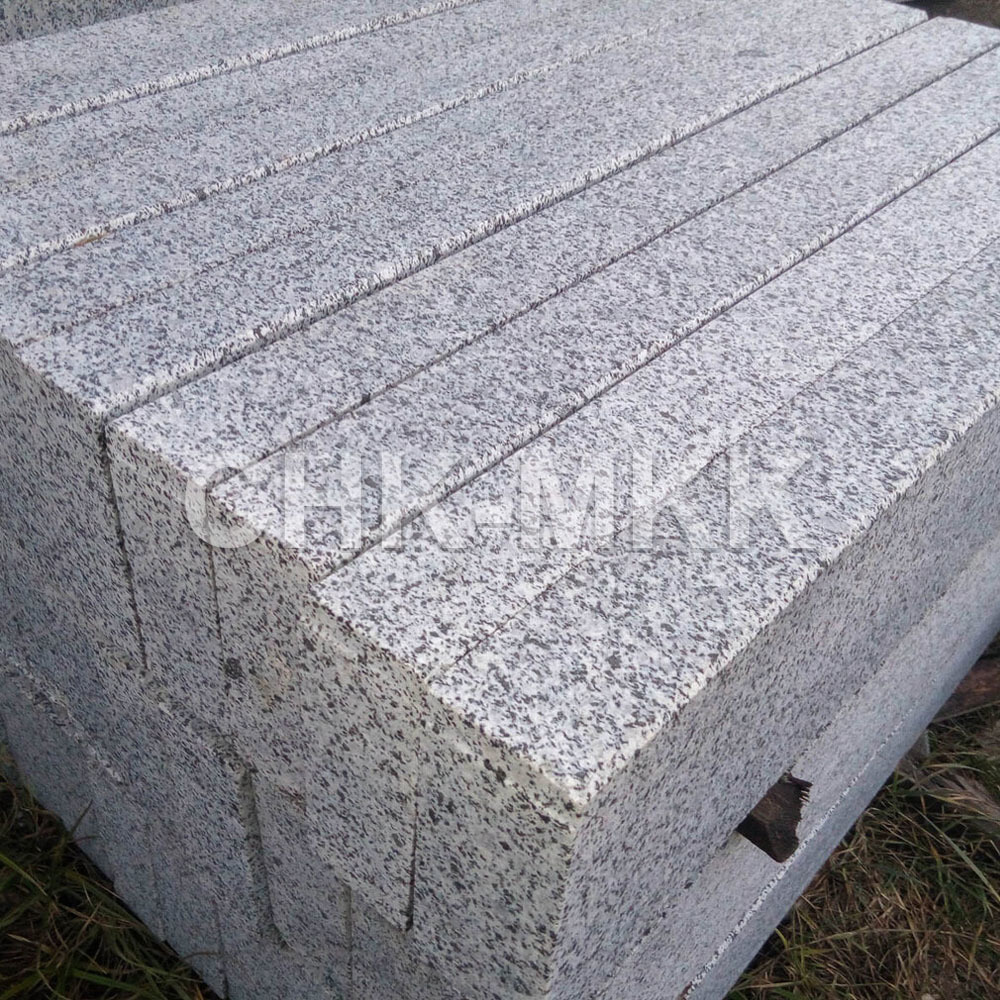 Бортовой камень гранит Сибирский