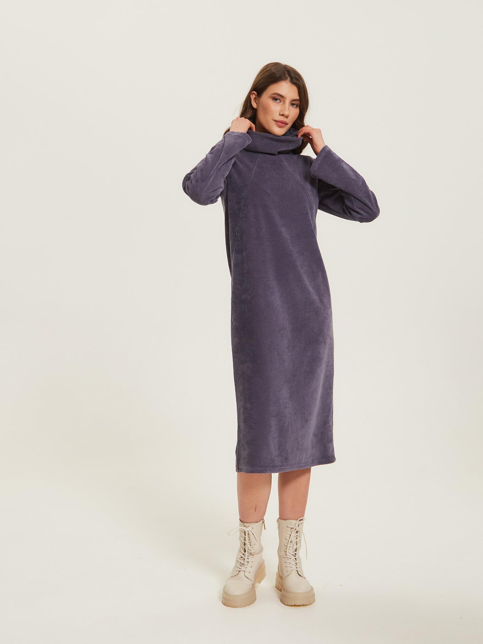 Прямое свободное платье из трикотажного вельвета Chic mama для кормящих мам