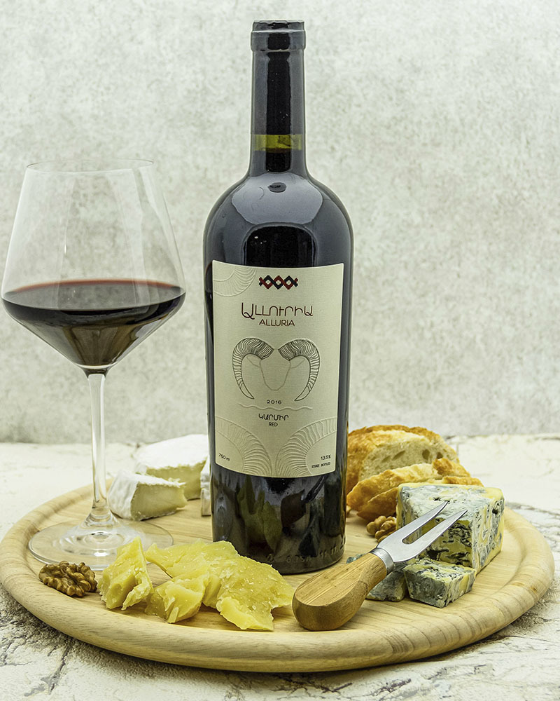 Вино Alluria Красное сухое 2016 г.у. 13,5%, 0,75 л.