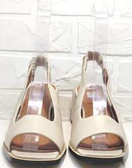 Бежевые кожаные босоножки с открытым носком на каблуке Brocoli H150-9137-2234 Cream.