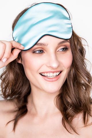 Шелковая маска для сна голубая