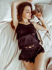 Шелковая черная пижама