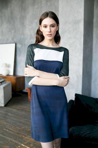 Фото синее платье с контрастными вставками - Платье З490-129 (1)