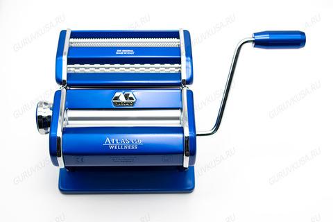 Маркато Атлас 150: ручная лапшерезка и тестораскатка в корпусе синего цвета. Фото