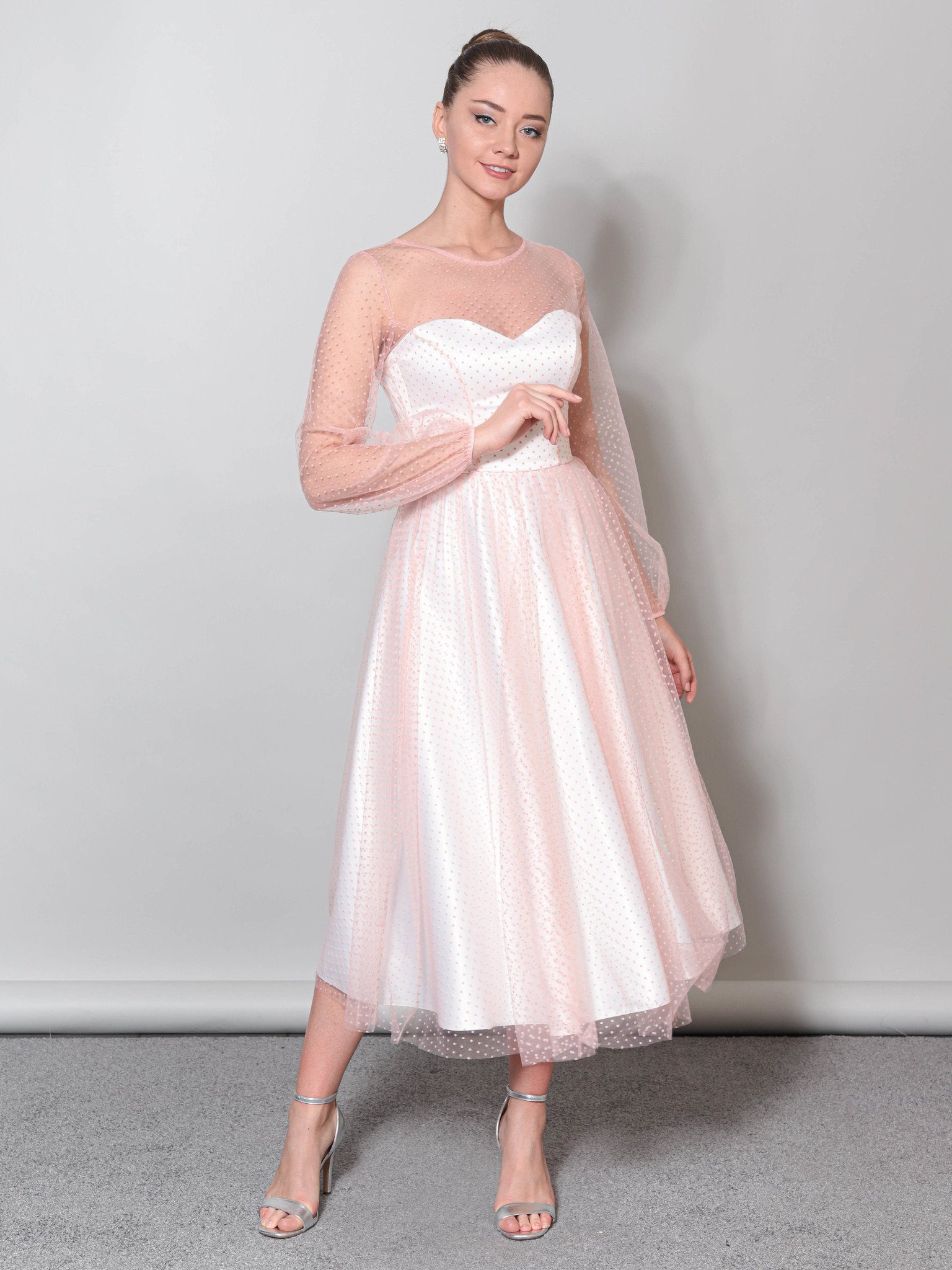 Свадебное платье с объемными рукавами из фатины (молочный-персик)