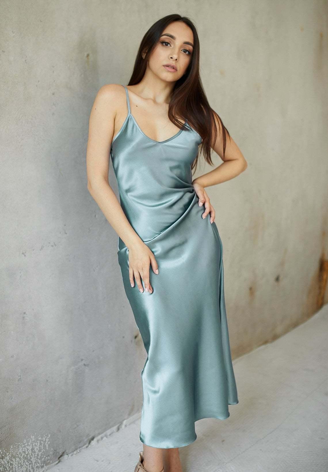 Шелковое платье натуральный шелк пыльно-голубого цвета длина миди