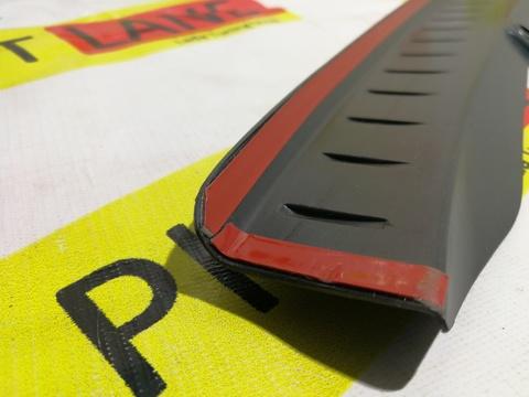 Накладка на задний бампер пластиковая Лада Веста SW Cross
